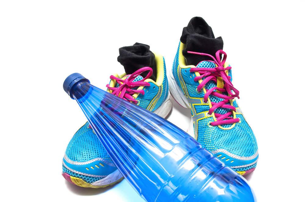 ¿Sabes para qué sirven los pequeños agujeros en las zapatillas deportivas?