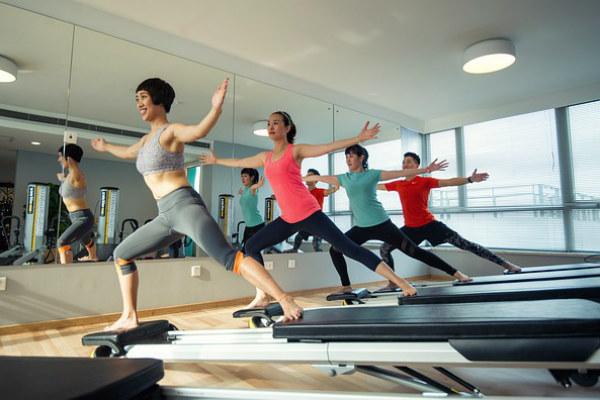 ¿Quieres quemar más calorías? Practica estos ejercicios