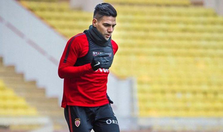 El delantero colombiano encendió las alarmas por una molestia que le impidió jugar el partido de este sábado con el Mónaco.