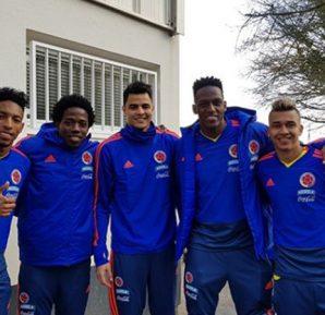 Los futbolistas estuvieron compartiendo un rato agradable con sus familias, demostrando la unión de grupo entre los compatriotas.