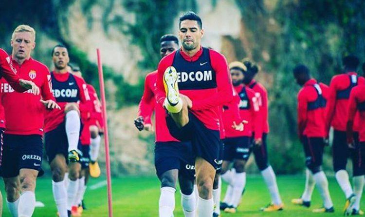 El delantero colombiano presentó problemas musculares que le impidieron viajar con el resto del equipo a Caen.