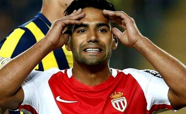 Radamel Falcao y otros futbolistas que han hecho 5 goles en un mismo partido