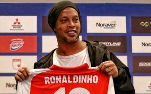 10 momentos que nos maravillaron de la carrera de Ronaldinho