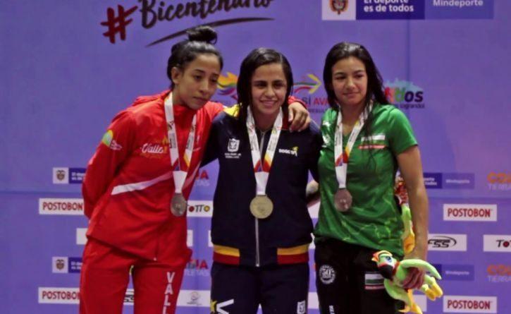 Colombiana supera varios tumores y un posible cáncer para ser campeona de lucha