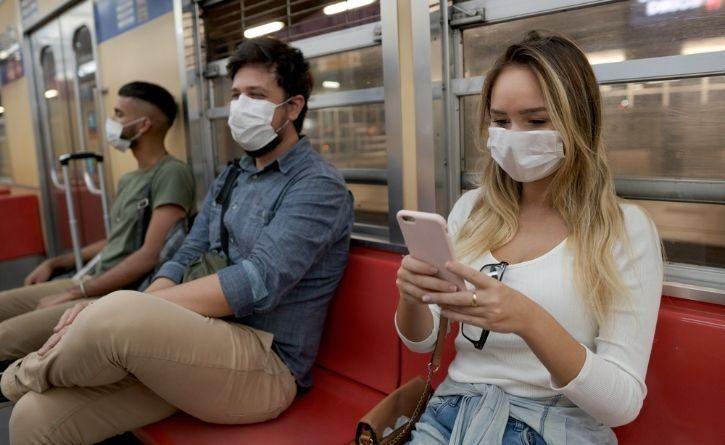 Científico italiano asegura que el virus de esta debilitando, estás son sus razones