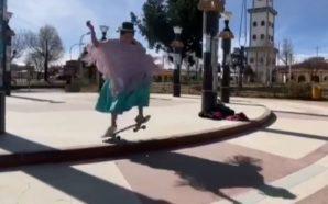 Indígenas practican skate son sus trajes típicos para promover este…