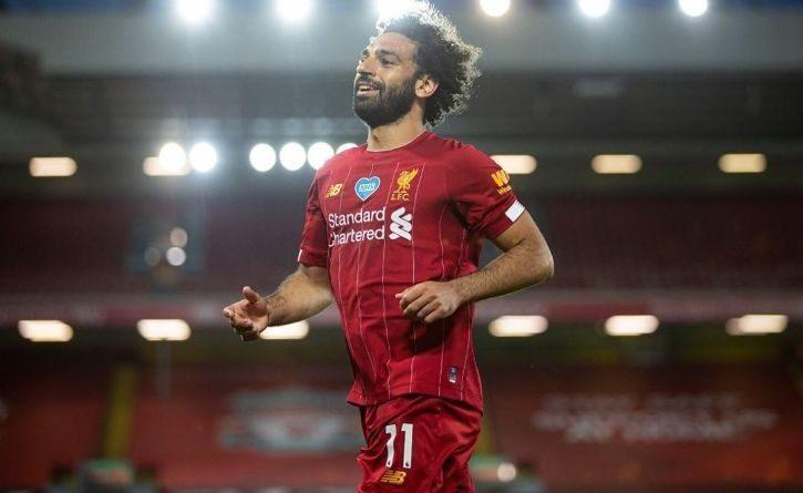 Mohamed Salah defendió a un habitante de la calle molestado por un grupo de jóvenes