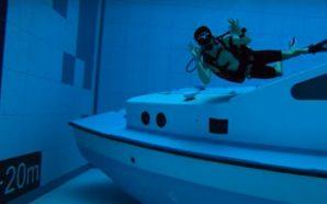Crean la piscina más honda del mundo ¡Se ve increíble!